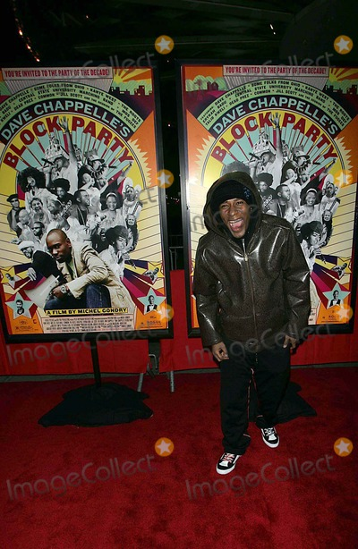 Dave Chappelle Photo - Arrivals For Screening of Dave Chappelles Block Party Loews 34th Street Theatre 02-28-2006 Photos by Rick Mackler Range Finder-Globe Photos Inc2006 Mos Def