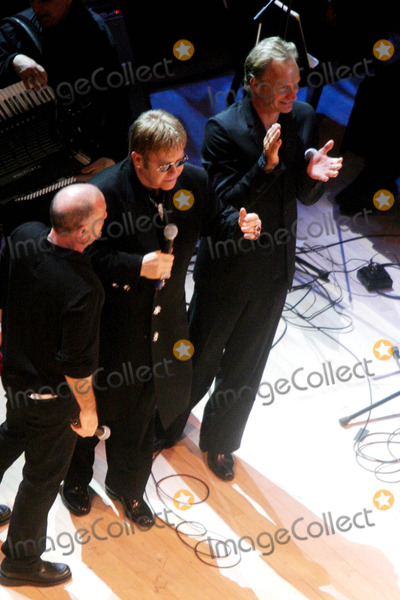 Sting Photo - Singin in the Rain Forest the 12th Carnegie Hall Benefit Concert in Support of the Rainforest Foundation at Carnegie Hall  New York City 04212004 Photo by John BarrettGlobe Photosinc Sting_billy Joel_elton John