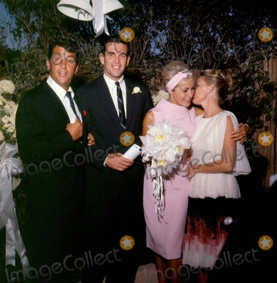 Jeanne Martin Photo - Janet Leighbob Brandt Wedding with Dean  Jeanne Martin Photo Globe Photos Inc