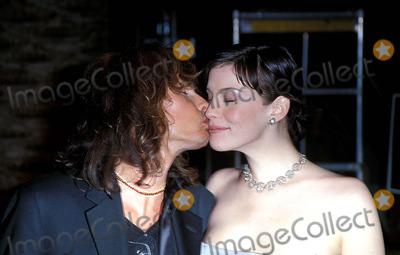 Aerosmith Photo - Sd0321 71st Academy Awards Vanity Fair Party California Liv and Steven Tyler (Aerosmith) Photo Alec Michael  Globe Photos Inc
