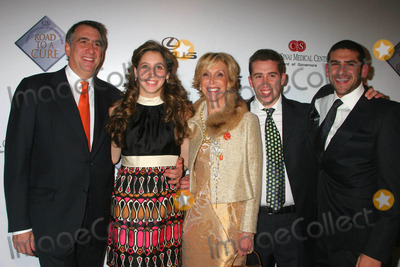 Arthur Levine Photo - Cedars-sinai Board of Governors Annual Road to Cure Gala Beverly Hills Hotel Beverly Hills California 11-15-2007 Arthur Levine Lauren Leichtman and Family Photo Clinton H Wallace-ipol-Globe Photos Inc