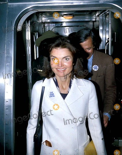 Jacqueline Kennedy Onassis Photo - Jacqueline Kennedy Onassis Photo Byhy SimonGlobe Photos Inc Jacquelinekennedyonassisretro