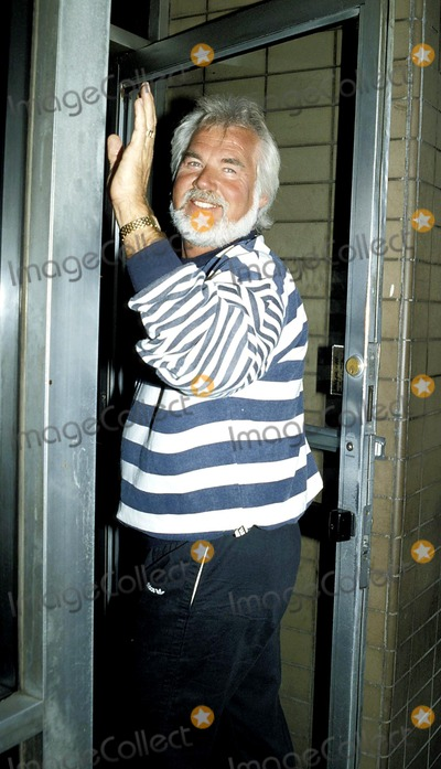 Kenny Rogers Photo - Kenny Rogers Photobetty Mickelson-michelson Globe Photos Inc 1987 Kennyrogersretro