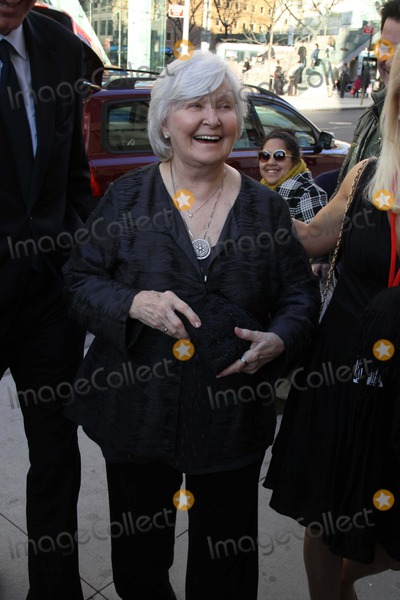Hole Photo - Joanne Woodward Arriving at a Celebration of Paul Newman Dream Benefit For Paul Newmans Assocation of Hole in the Camps at Avery Fisher Hall  Lincoln Centrer Photo by John BarrettGlobe Photos