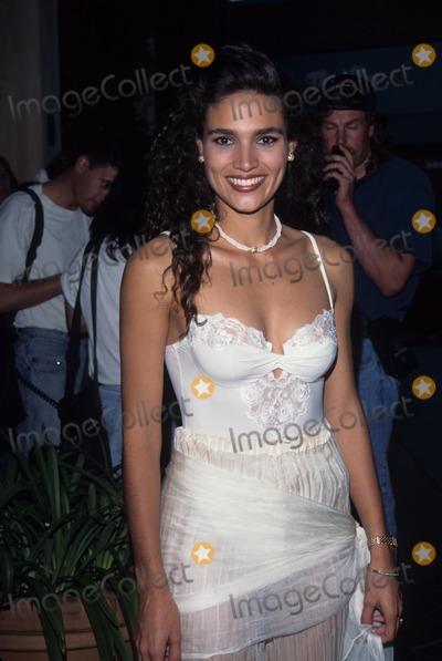 Wanda Acuna Photo - Wanda Acuna 1995 Grand Havana Room Photo by Tom Rodriguez-Globe Photos Inc