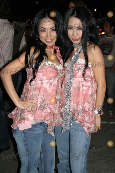 Fantasy Twins Photo - Mean Magazine Aprilmay 2005 Issue Launch Party Nacional Hollywood California 03-29-2005 Photo Clinton H Wallace-ipol-Globe Photos 2005 Fantasy Twins