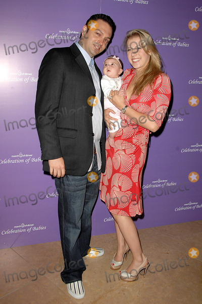 Jodie Sweetin Photo - Celebration of Babies a Charity Event to Benefit the March of Dimesheld at the Beverly Hilton Hotelbeverly Hills California 09-27-08 Photodavid Longendyke-Globe Photos Inc2008 Image Jodie Sweetinhusbanddaughter