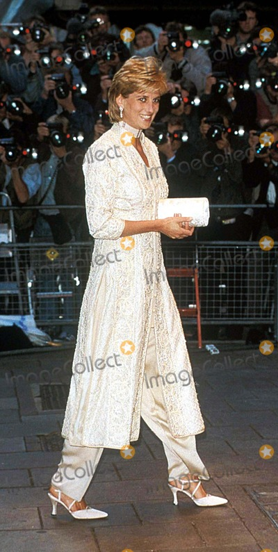 Imran Khan Photo - Princess Diana Arriving at an Event For the Imran Khan Cancer Appeal 1996 I1236 Photo by Uppa-ipol-Globe Photos Inc