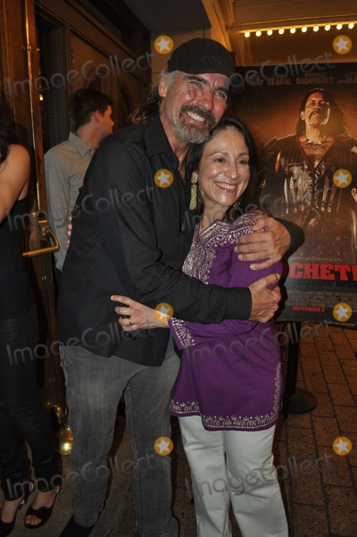 Jeff Fahey Photo - Elizabeth Avellanjeff Fahey Austin Premiere of the Film Machete Austin Texas 09-02-2010 Photo by Jeff Newman - Globe Photos Inc 2010