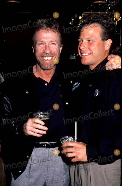 Chuck Norris Photo - Chuck Norris and Son Eric Photo James Colburn  Globe Photos Inc Chucknorrisretro