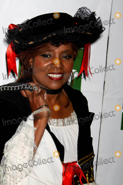 Bette Midler Photo - Gloria Gaynor at Bette Midlers Annual Hulaween Gala Supporting NY Restoration Project at Waldorf Astoria NYC 10-30-09 Photos by John Barrett-Globe Photosinc2009