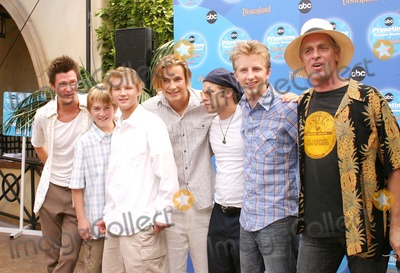 Andrew Eiden Photo - COMPLETE SAVAGES CAST (VINCENT VENTRESCA EVAN ELLINGSON JASON DOLLEY ERIK VON DETTEN SHAUN SIPOS ANDREW EIDEN KEITH CARRADINE -ABC PRIMETIME PREVIEW WEEKEND 2004 -CALIFORNIA ADVENTURE DISNEY ANAHEIM CALIFORNIA - 09112004 -PHOTO BY NINA PROMMERGLOBE PHOTOS INC 2004 K38965NP
