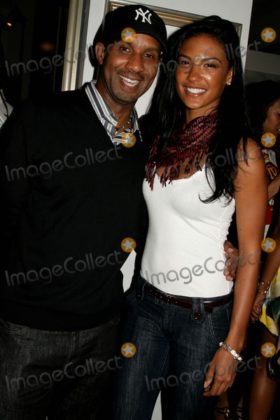 Alex Avant Photo - Hennessy Presents an Exclusive Vip Reception For the Rock N Roll of Hip Hop Hosted by Kim Porter the Celebrity Vault Beverly Hills CA 062609 Alex Avant and Guest Photo Clinton H Wallace-photomundo-Globe Photos Inc