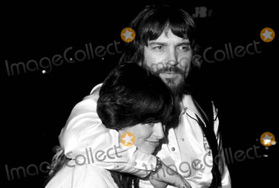 Waylon Jennings Photo - -10c Waylon Jennings and Wife PhotoGlobe Photos Inc