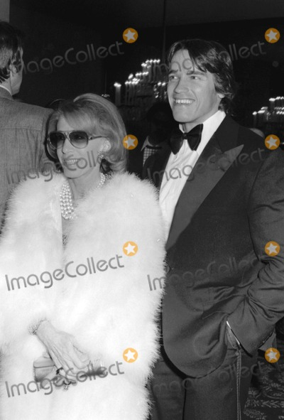 Arnold Schwarzenegger Photo - Arnold Schwarzenegger with Mrs Ginsberg at the Afi Honors Bette Davis Beverly Hills CA 311977 10186 Photo by Phil RoachipolGlobe Photos Inc