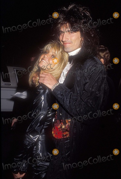 Heather Locklear Photo - Heather Locklear with Tommy Lee 14003 Photo by Phil Roach-ipol-Globe Photos Inc