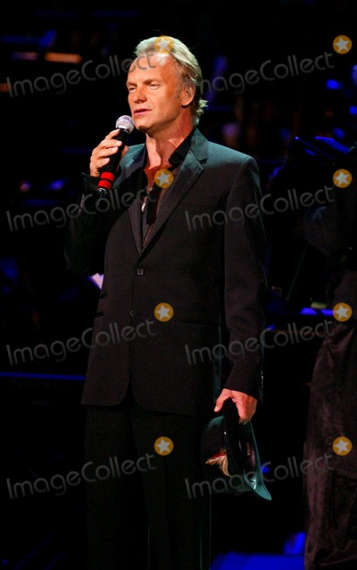 Sting Photo - Singin in the Rainforest the 12th Carnegie Hall Benefit Concert in Support of the Rainforest Foundation Carnegie Hall New York City 04212004 Photo Globe Photos Inc 2004 Sting