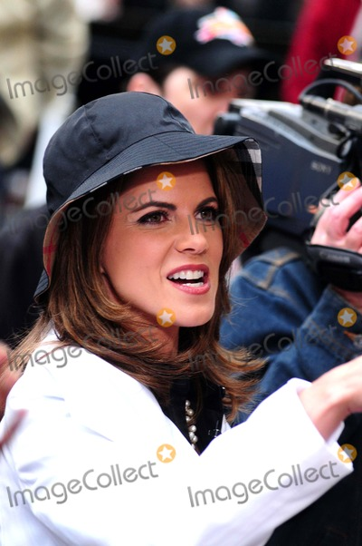 Natalie Morales Photo - American Idol Concert at the Today Show Rockefeller Center New York City 05-28-2009 Photo by Ken Babolcsay-ipol-Globe Photos Natalie Morales