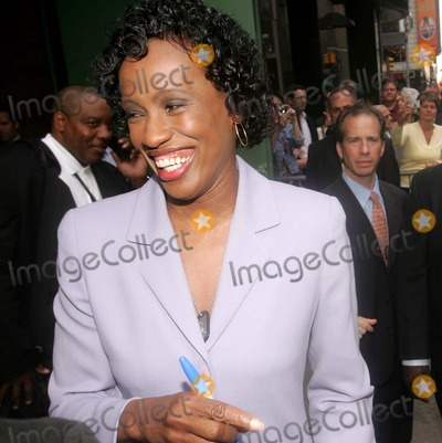 Jackie Joyner-Kersee Photo - Sports Icons Representing Atheletes For Hope Leave Good Morning America Times Square New York City 04-25-2007 Photos by Rick Mackler Rangefinder-Globe Photos Inc2007 Jackie Joyner-kersee