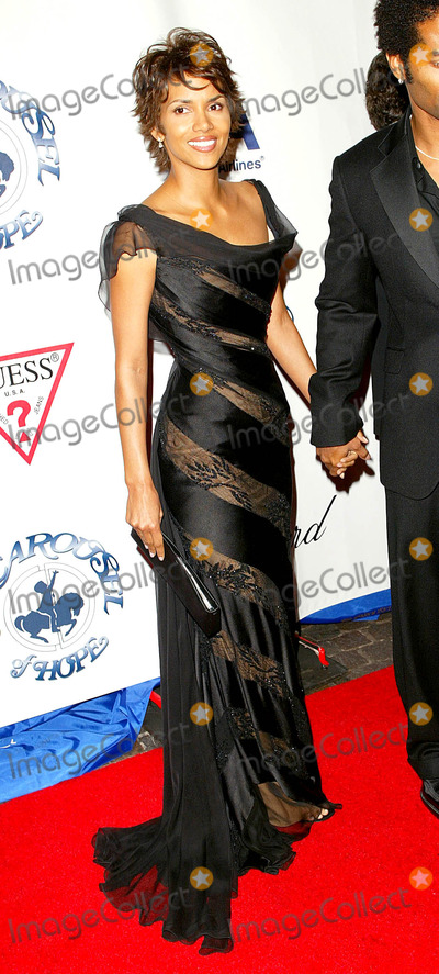 Halle Berry Photo - Halle Berry and Husband Eric Benet K26761fb the 15th Carousel of Hope Ball Beverly Hilton Hotel Beverly Hills CA October 15 2002 Photo by Fitzroy BarrettGlobe Photos Inc