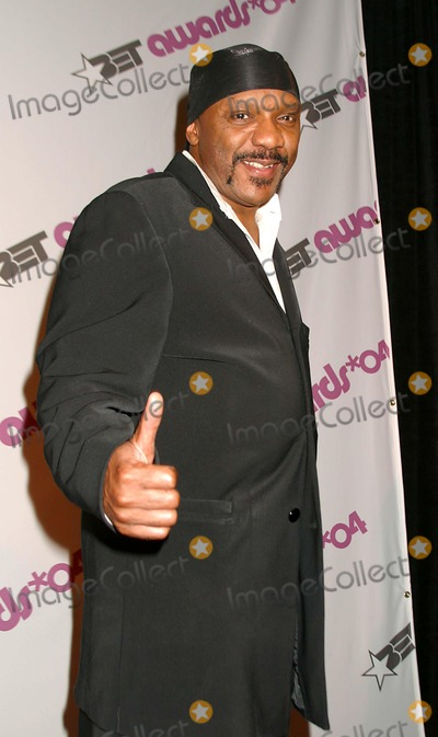 Ernie Isley Photo - Bet Awards 2004 Nominees at the Hollywood Renaissance Hotel Hollywood CA 051204 Photo by Clinton HwallaceipolGlobe Photos Inc2004 the Isley Brothers- Ernie Isley