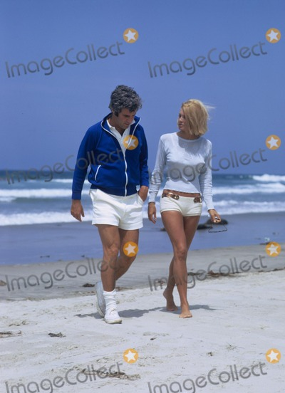 Burt Bacharach Photo - Burt Bacharach with Angie Dickinson 1971 W7791a Photo by Don Ornitz-Globe Photos Inc
