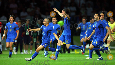Alessandro Del Piero Photo - Alessandro Del Piero Vincenzo Iaquinta  Gianluca Zambrotta Celebrate Penalty Win Italy V France Italy Celebrate Penalty Win Italy V France Olympic Stadium Berlin Germany 07-09-2006 K48556 Photo by Allstar-Globe Photos