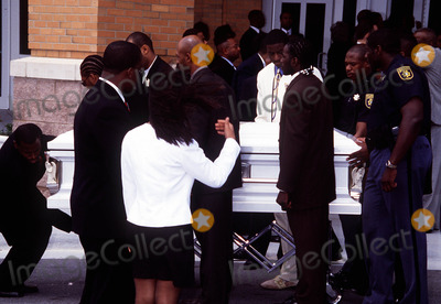 Left Eye Lopes Photo - Funeral Services For Lisa Left Eye Lopes Georgia 050202 Photo by John KrondesGlobe Photos Inc