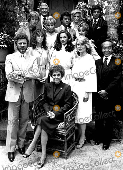 Lorenzo Lamas Photo - JANE WYMAN (SITTING) ROBERT FOXWORTH JAMIE ROSE ANA ALICIA SUSAN SULLIVAN CHAO LI CHI WILLIAM R MOSES ABBY DALTON LORENZO LAMAS MARGARET LADD MEL FERRER SHANNON TWEED AND DAVID SHELBY CAST OF FALCON CRESTSUPPLIED BY DMGLOBE PHOTOS INCJANEWYMANOBIT