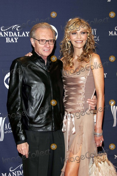 Larry King Photo - Larry King and Wife Shawn - 40th Academy of Country Music Awards - Arrivals - Mandalay Bay Casinolas Vegas CA - 05-17-2005 - Photo by Nina PrommerGlobe Photos Inc2005 -