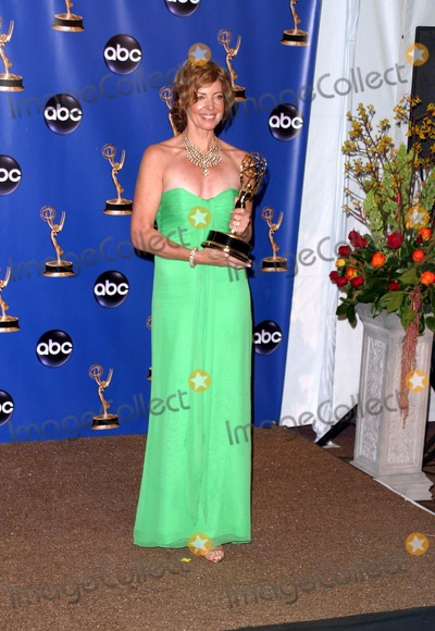 ALISON JANEY Photo - 56th Annual Primetime Emmy Awards Pressroom at the Shrine Auditorium in Los Angeles California 091904 Photo by Nina Prommerphil RoachGlobe Photos Inc 2004 Allison Janney