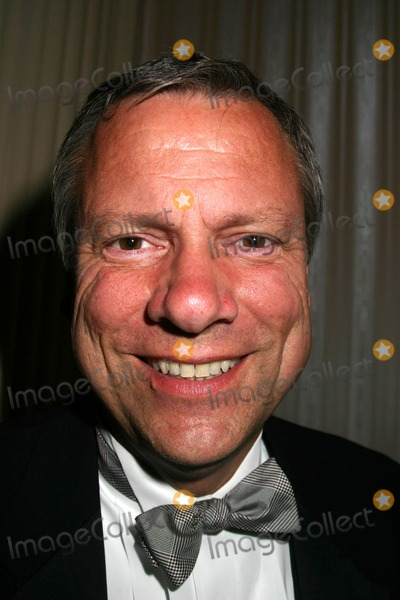 Brian Thompson Photo - 2004 New York Emmy Awards Waldorf Astoria New York City 03282004 Photo by Mitchell LevyrangefindersGlobe Photos Inc 2004 Brian Thompson