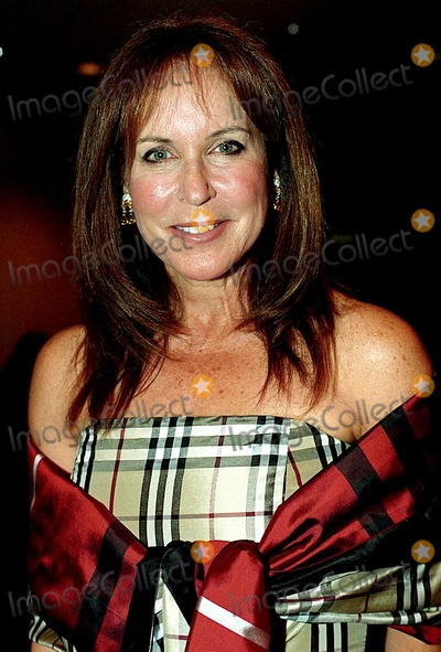 Andrea Stark Photo - Supporting Early Breast Cancer Detection and the Healing Power of Music Commemorating the Life of Linda Mccartney Chrisities Rockefeller Center New Yokr City 10212003 Photo Byken RummentsGlobe Photos Inc 2003 Andrea Stark