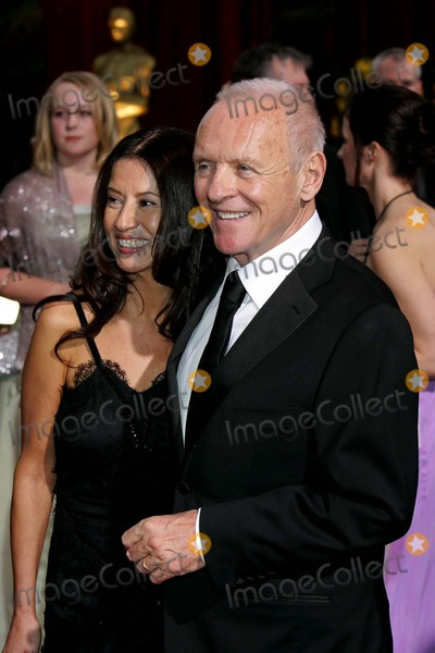 Stella Arroyave Photo - Anthony Hopkins Stella Arroyave 81st Annual Academy Awards  Oscars at Kodak Theatre Hollywood CA February 22 2009 Photo by Roger Harvey-Globe Photos Inc 2009