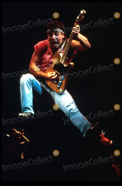 Bruce Springsteen Photo - Bruce Springsteen Born in the USA Tour Roger GlazerGlobe Photos Inc
