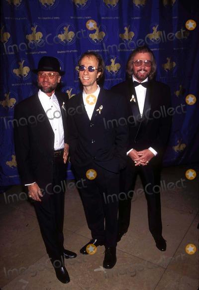Bee Gees Photo - Los Angeles Carousel of Hope Gala Bee Gees-maurice Robin and Barry Gibb Photo B Fitzroy BarrettGlobe Photos Inc 1996k6658fb Mauricegibbretro