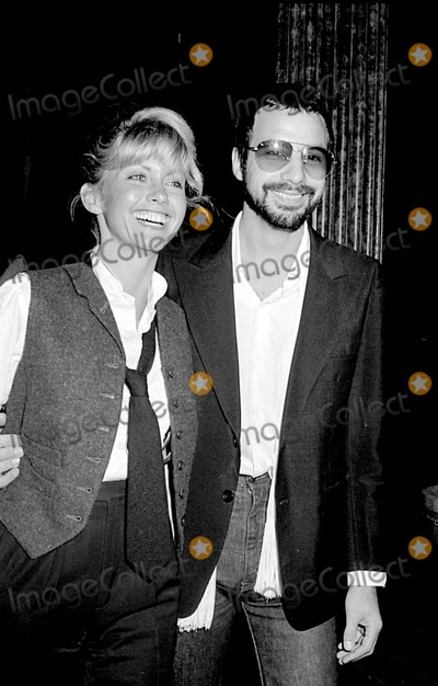 Cat Stevens Photo - Olivia Newton-john with Cat Stevens at Ua Records Party For Dusty Springfield   Le Dome Restaurant LA Photo by Phil RoachipolGlobe Photos Inc