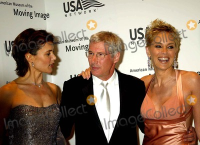Sharon Stone Photo - American Museum of the Moving Image Salute to Richard Gere Waldorf-astoria New York City 04202004 Photo Sonia Moskowitz  Globe Photosinc 2004 Richard Gere Carey Lowell and Sharon Stone