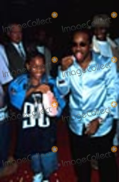 Lil Bow Wow Photo -  91001 the Hardball Premiere at Paramount Studios CA Lil  Bow Wow with Jermaine Dupre Photo by Ed GellerGlobe Photos Inc
