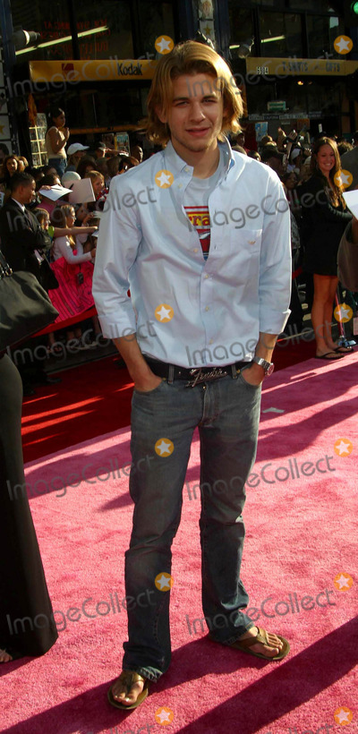 AJ Trauth Photo - A J Trauth - the Lizzie Mcguire Movie - Premiere - El Capitan Theater Hollywood CA - April 26 2003 - Photo by Nina PrommerGlobe Photos Inc2003