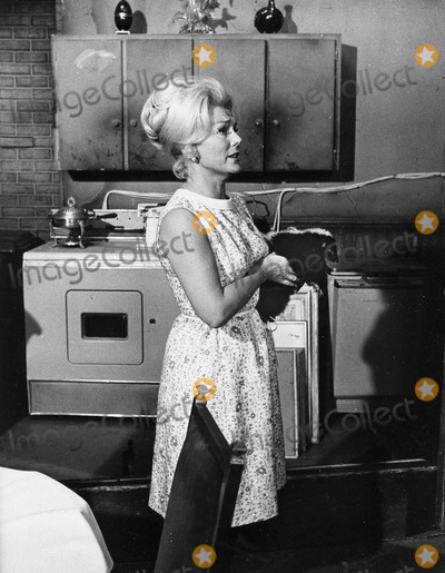 Eva Gabor Photo - Eva Gabor Green Acres 1967 Supplied by Globe Photos Inc