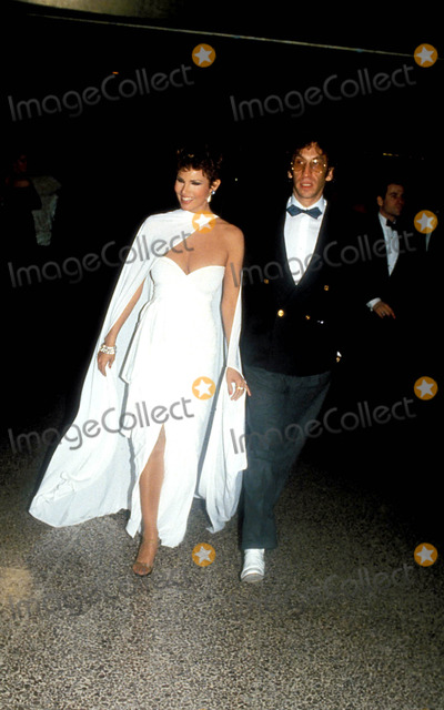 Raquel Welch Photo - Raquel Welch and Husband Photo Globe Photos Inc 1985 Raquelweclhretro