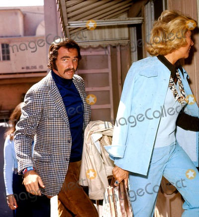 Burt Reynolds Photo - Burt Reynolds and Dinah Shore G4427 Walter ZurlindenGlobe Photos Inc