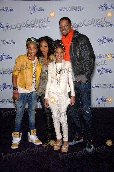 Willow Smith Photo - Jaden Smith Jada Pinkett Smith Willow Smith and Will Smith During the Premiere of the New Movie From Paramount Pictures Never Say Never Held at the Nokia Theatre on February 8 2011 in Los Angeles photo Michael Germana - Globe Photos Inc 2011
