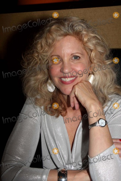 Nancy Allen Photo - Nancy Allen Chiller Theatre Expo Day 1 Hilton Parsippany NJ 10-29-2010 Photo by Barry Talesnick-ipol-Globe Photos Inc 2010