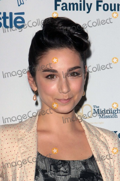 Molly Ephraim Photo - Molly Ephraim attends Midnight Mission Golden Heart Awards 6th May 2013 at the Beverly Wilshire Hotelbeverly Hills Causaphoto TleopoldGlobephotos