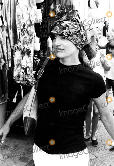 Jacqueline Kennedy Onassis Photo - Jacqueline Kennedy Onassis on Capri Holiday 1971 8232 Ipol ArchiveipolGlobe Photos Inc Jacquelinekenndeyonassisretro