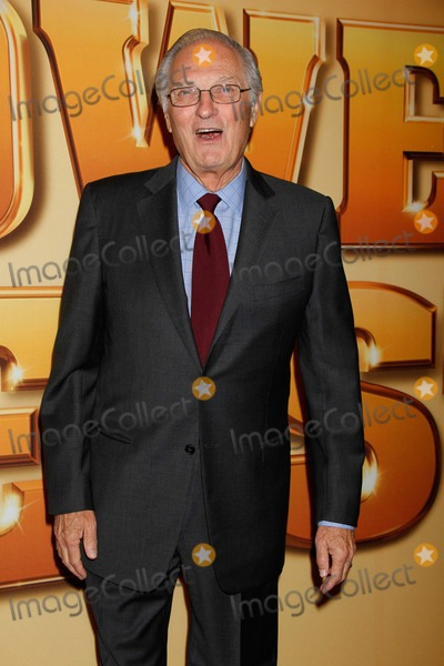 Alan Alda Photo - Alan Alda Arrives For the Tower Heist Premiere at the Ziegfeld Theatre in New York on October 24 2011 Photo by Sharon NeetlesGlobe Photos Inc