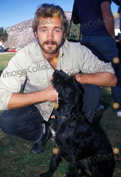 John Schneider Photo - John Schneider and Snudge 11-1989 Photo by Michelson-Globe Photos
