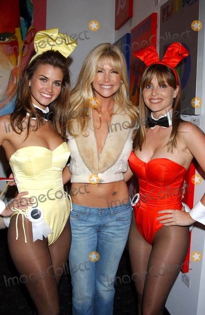 Brande Roderick Photo - Playmate Artist Victoria Fuller Art Exhibition at the Wentworth Gallery at the Grove Los Angeles CA 03182004 Photo by Miranda ShenGlobe Photos Inc 2004 Lauren Michelle Hill Brande Roderick and Deanna Brooks